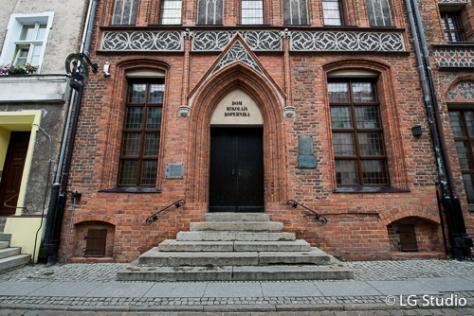 Ingresso alla casa museo di Niccolò Copernico.