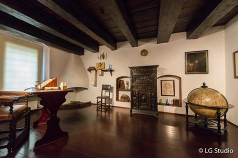 Interni della casa museo di Niccolò Copernico.