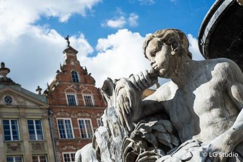Danzica, statua della fontana del Nettuno.